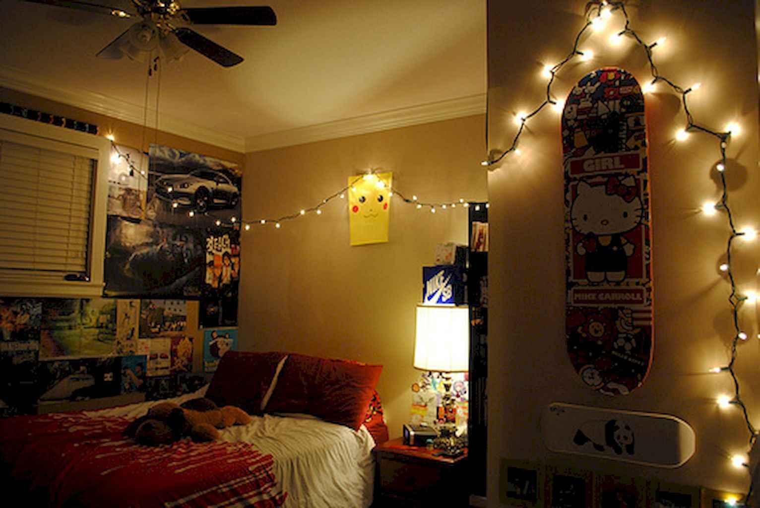 30 Diy Apartment Decorating Christmas Lights 25 Roomadnesscom - Apartment-decorating-diy