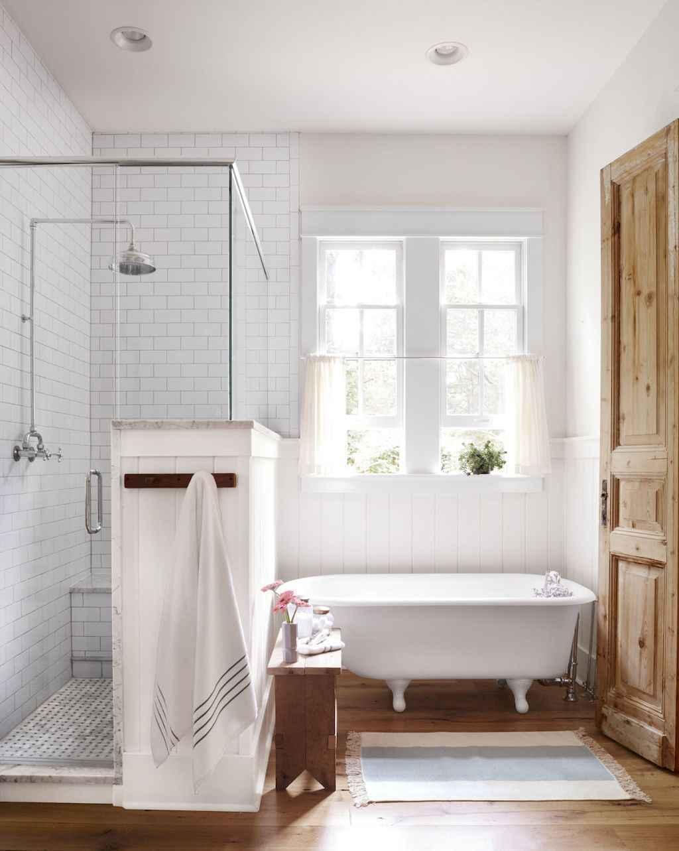 50 Rustic Farmhouse Master Bathroom Remodel Ideas 3