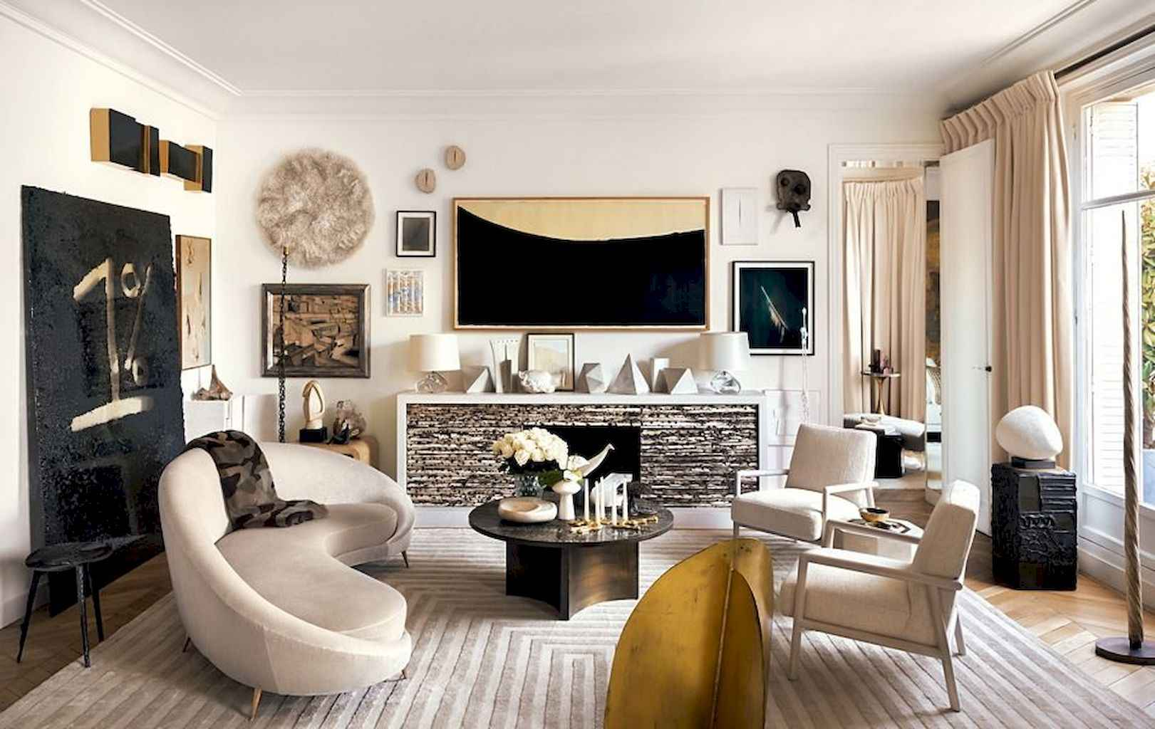Published December 28 2017 At 1621 1024 In 111 Beautiful Parisian Chic Apartment Decor Ideas