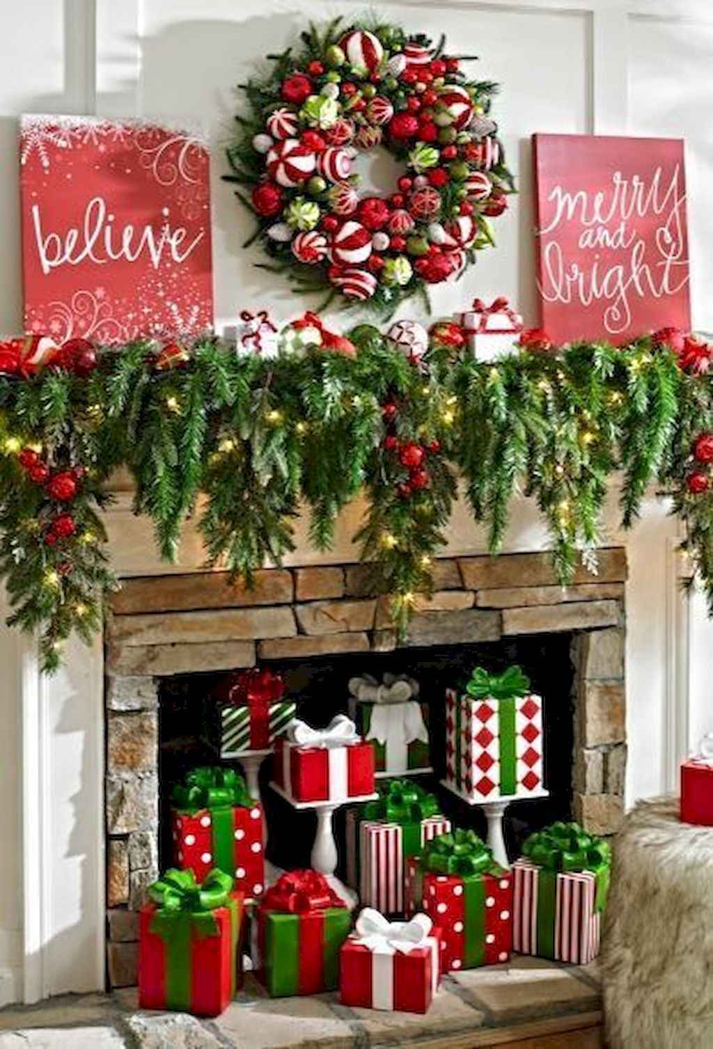 1024 1507 in 25 awesome christmas decorations apartment ideas