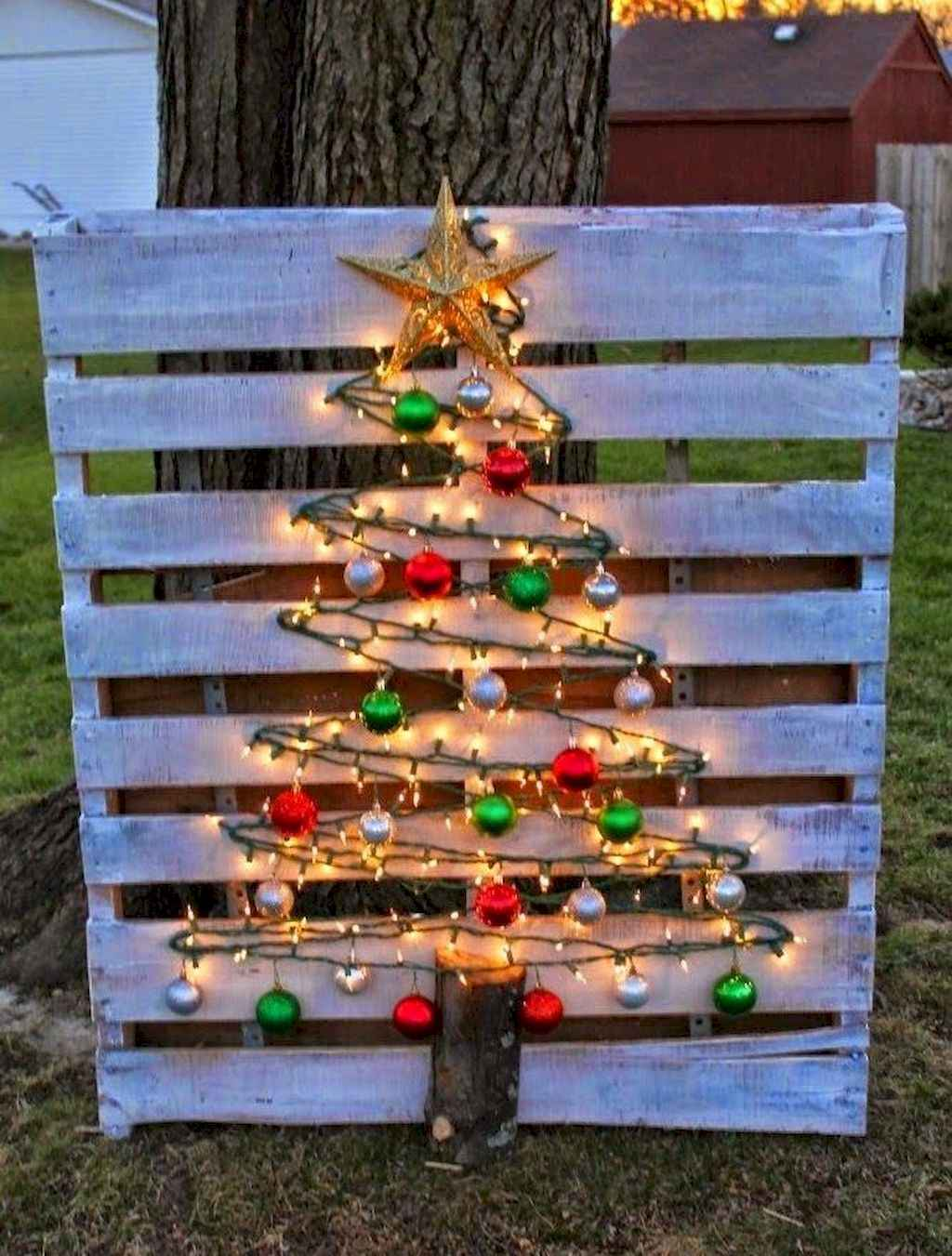 28 outdoor christmas decorations ideas (23). Published December 9, 2017 at 1024 × 1351 in 28 Outdoor Christmas Decorations Ideas