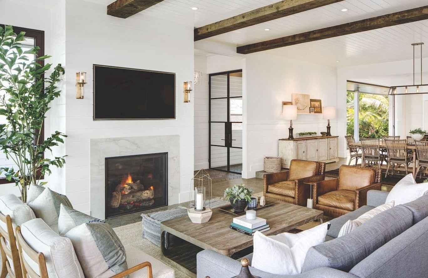 60 cool modern farmhouse living room decor ideas 48 for Farmhouse living room decorating ideas
