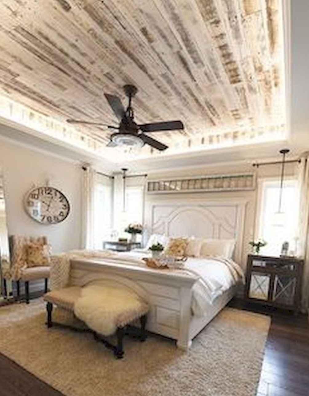 80 Relaxing Master Bedroom Decor Ideas 39