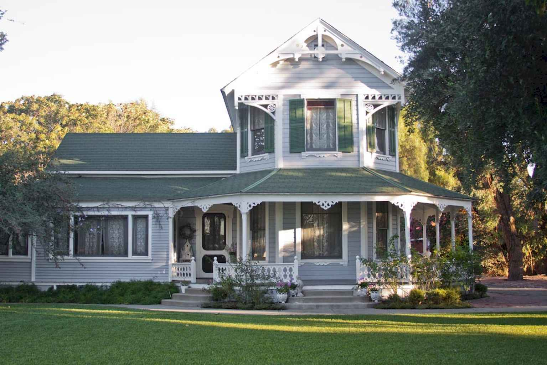 80 Awesome Victorian Farmhouse Plans Design Ideas 66
