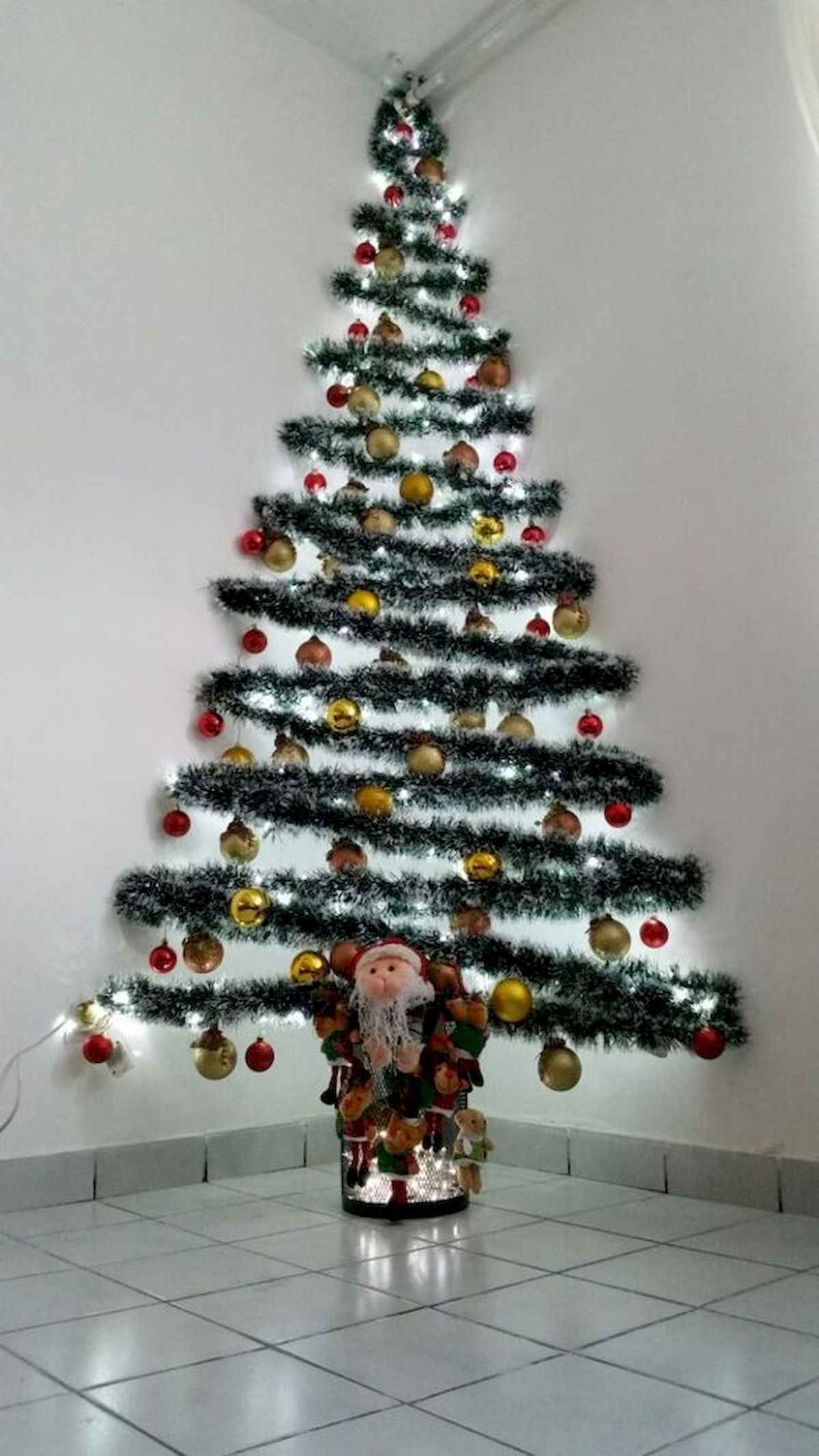 35 awesome apartment christmas decorations ideas 16 published june 10 2018 at 1200 2131 in 35 awesome apartment christmas decorations ideas