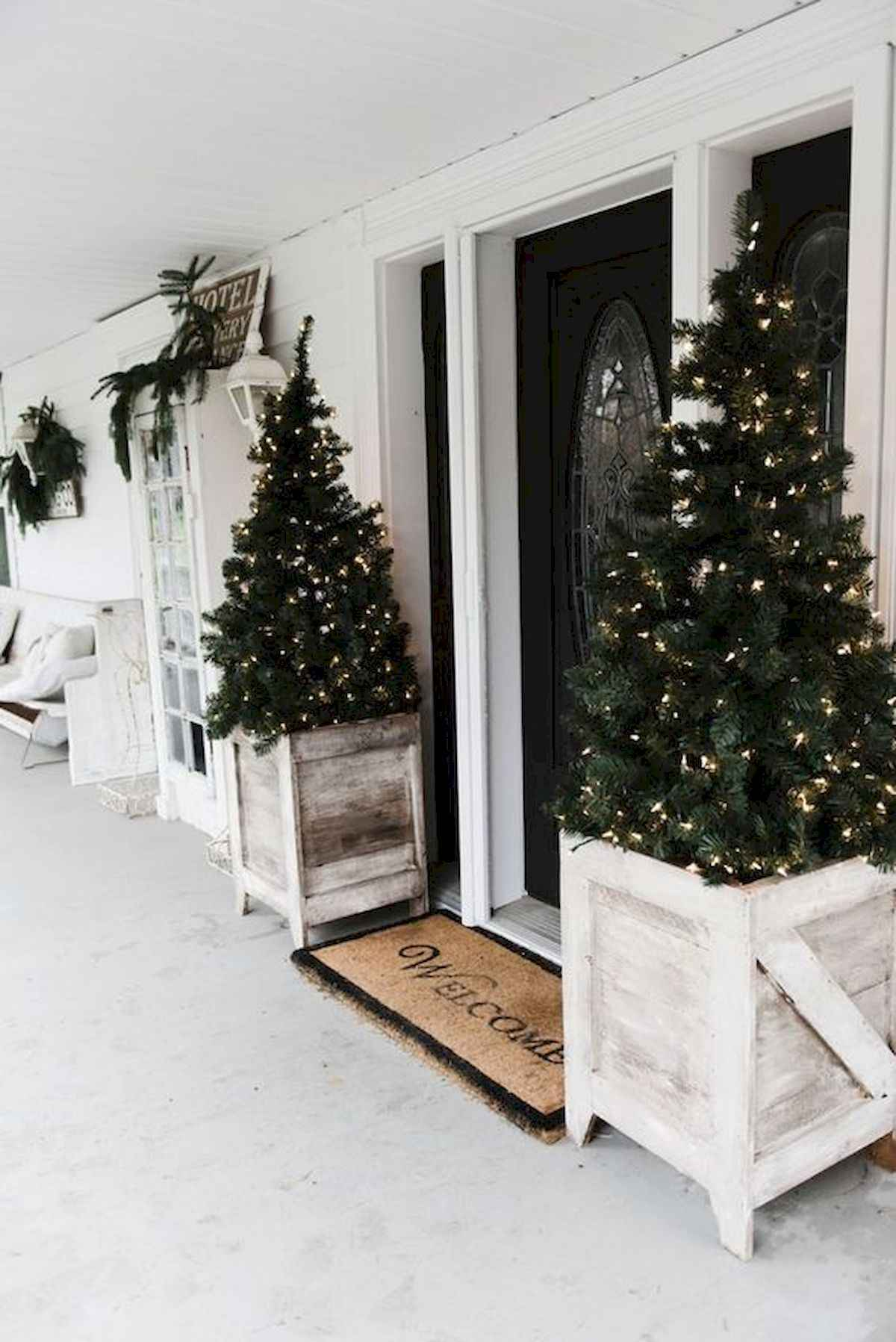 1200 1797 in 50 front porches farmhouse christmas decorations ideas