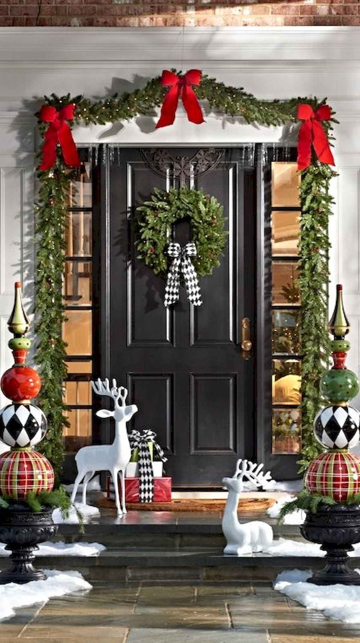 1200 2141 in 50 front porches farmhouse christmas decorations ideas