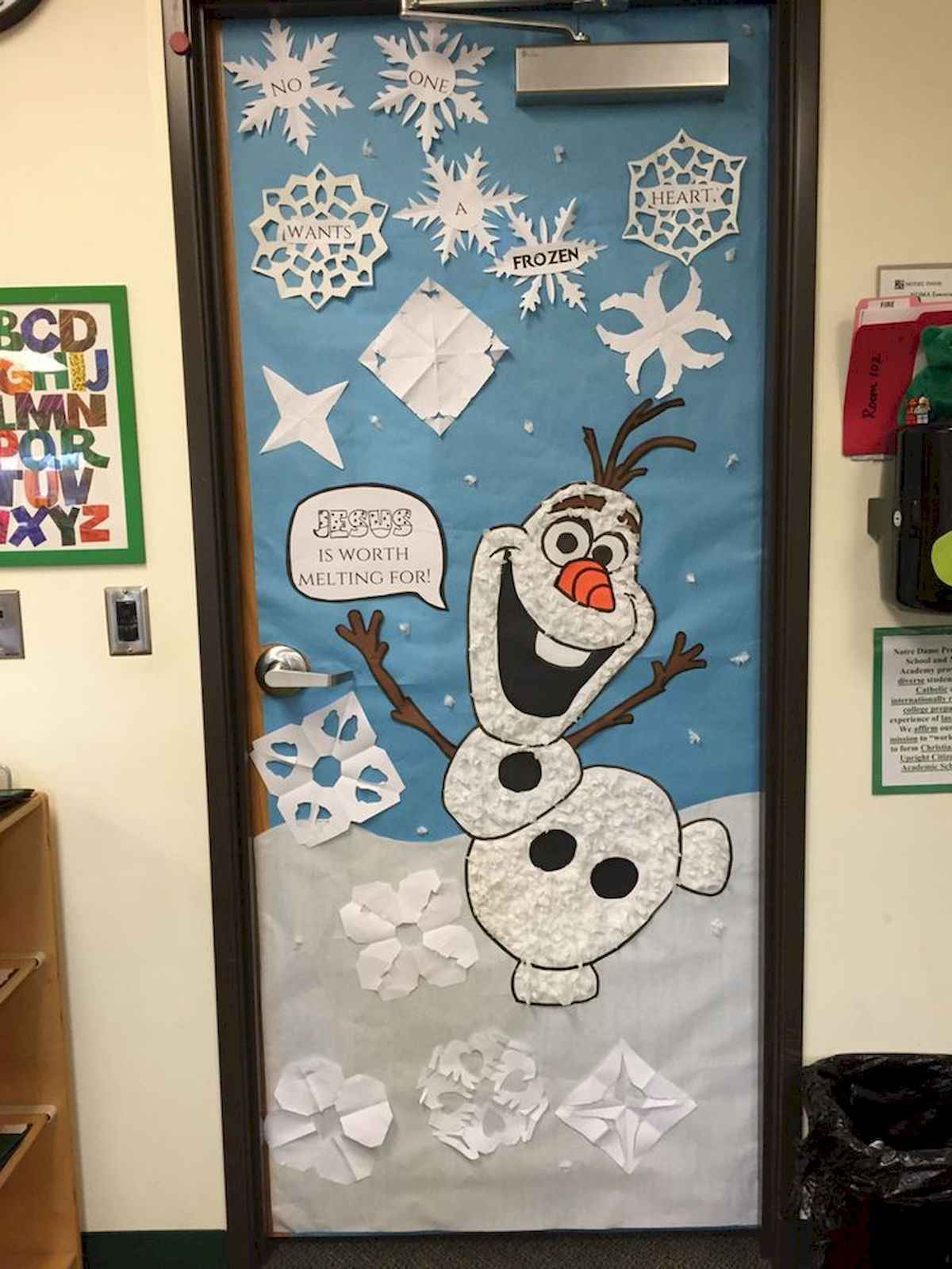 40 Easy Diy Christmas Door Decorations For Home And School 6